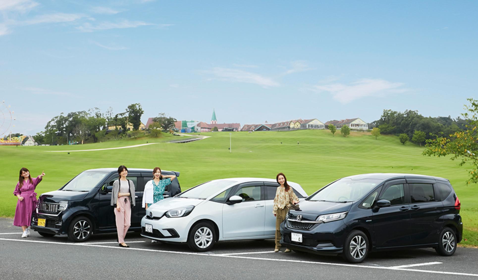 女性モデル4名が「Let's enjoy tokyo」でホンダの車を紹介しています🚗